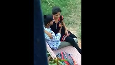Indian girl in park fucked openly