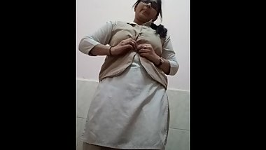 Indian chubby toilet show