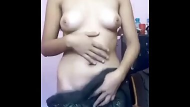 Desi Cute Girl Showing Her Boobs n Pussy