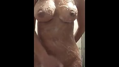 UK Indian Slut- Shower Fun