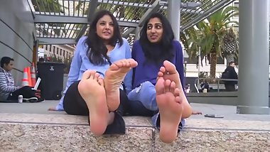 arab and indian girls talking about feet