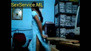 Desi video boss enjoying at office secretary hd