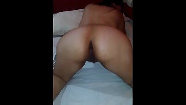 Desi GF's hot pussy show