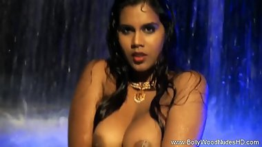 Beauty In Blue From India Exposed
