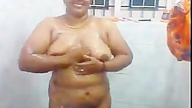 Southindian Busty HUGE Boobs Aunty's Bath Scene