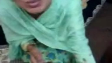 Fine Pakistani Lady reluctantly sucks and fucks 4 inch Paki Dick