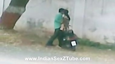 Indian Sex in public street north india